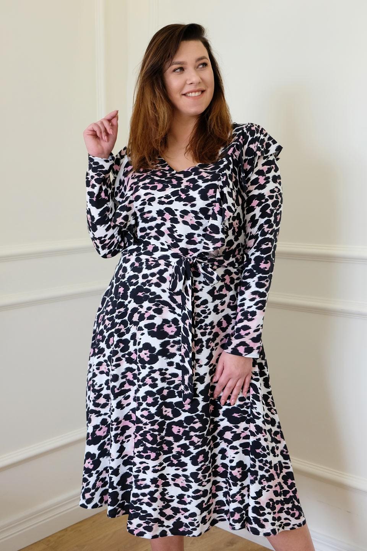 MELANIA rozkloszowana sukienka plus size w cętki