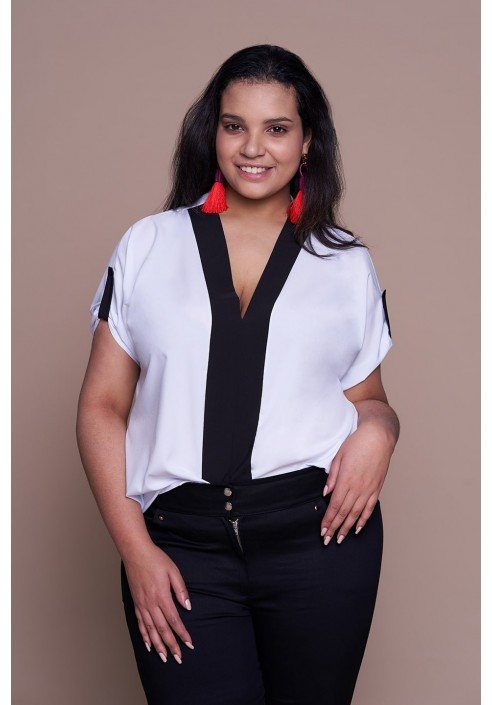 CINDY WHITE minimalistyczna koszula plus size