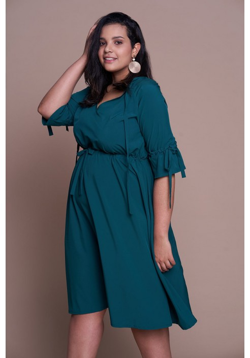 CAYENNE GREEN zwiewna sukienka plus size na wiosnę