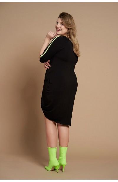 TONI BLACK sukienka plus size z neonowym lampasem