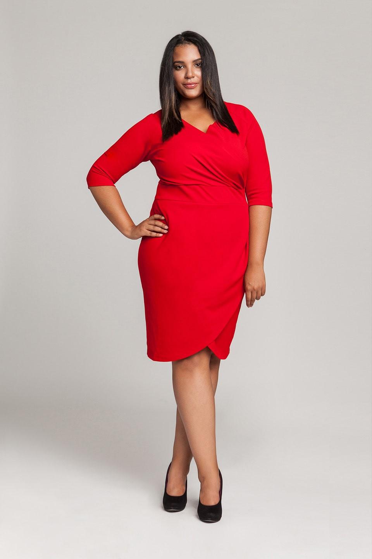Czerwona sukienka imprezowa plus size