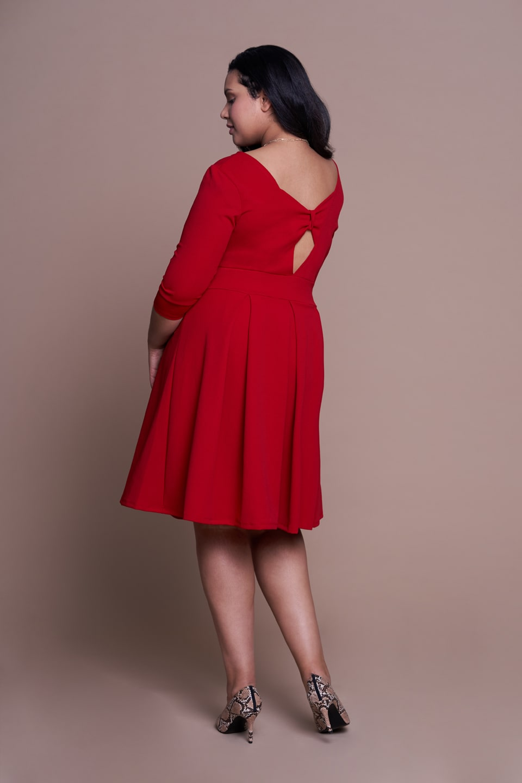 31de3b0acc Komunijna sukienka powinna zakrywać kolana