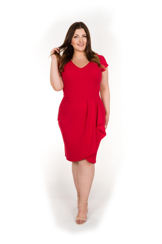 0fd01c8dd5 Można śmiało wybrać sukienkę plus size z delikatnym marszczeniem w  okolicach talii